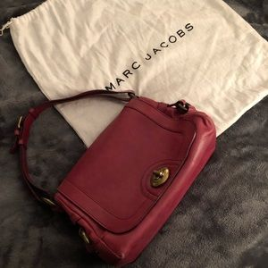 f7dea64a3a72 Marc Jacobs Kira Turnlock Shoulder Bag Berry Pink